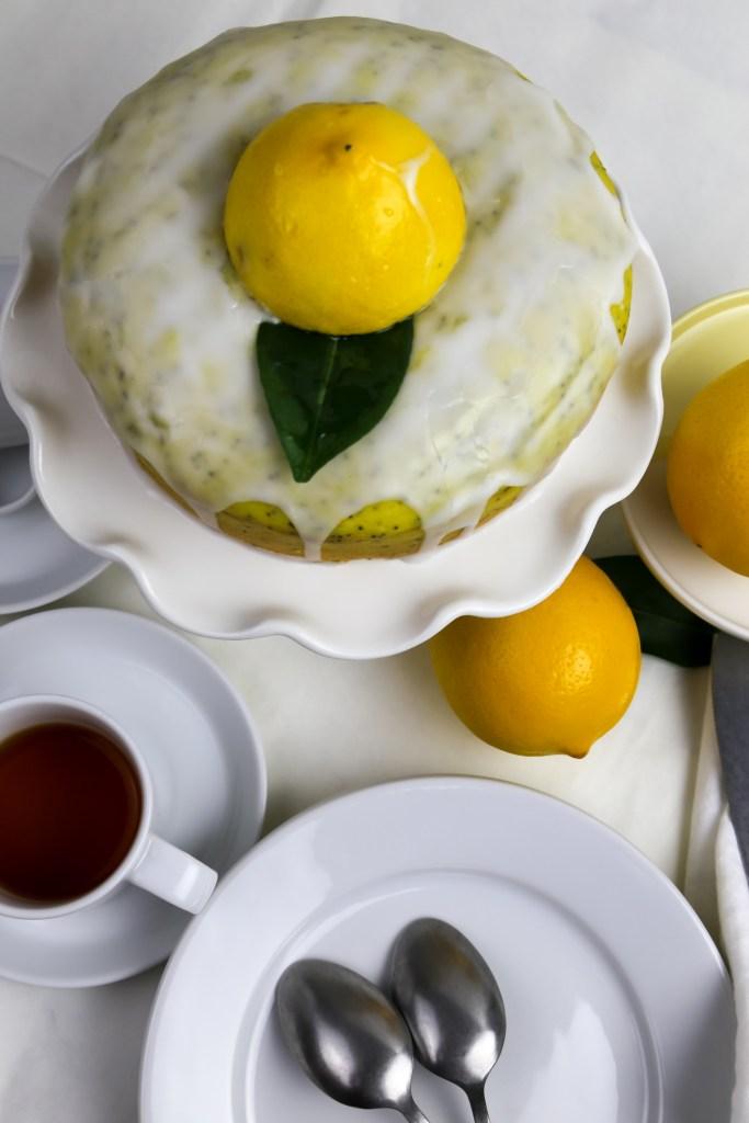 vegan lemon drizzle cake  with tea