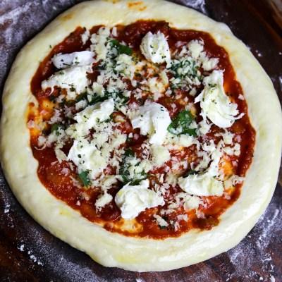 EASY PIZZA DOUGH (VEGAN)