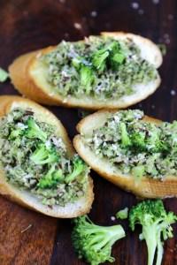 bruschetta with broccoli
